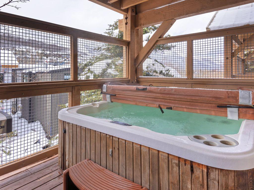 Private hot-tub