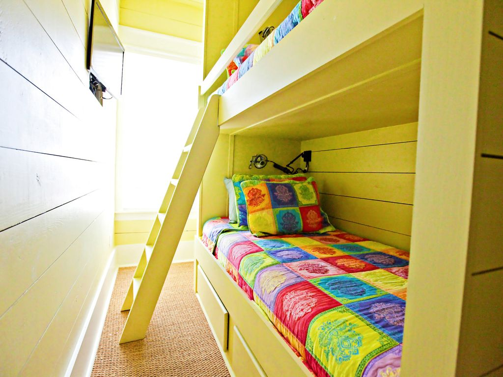 second floor twin bunk room, across from laundry facilities