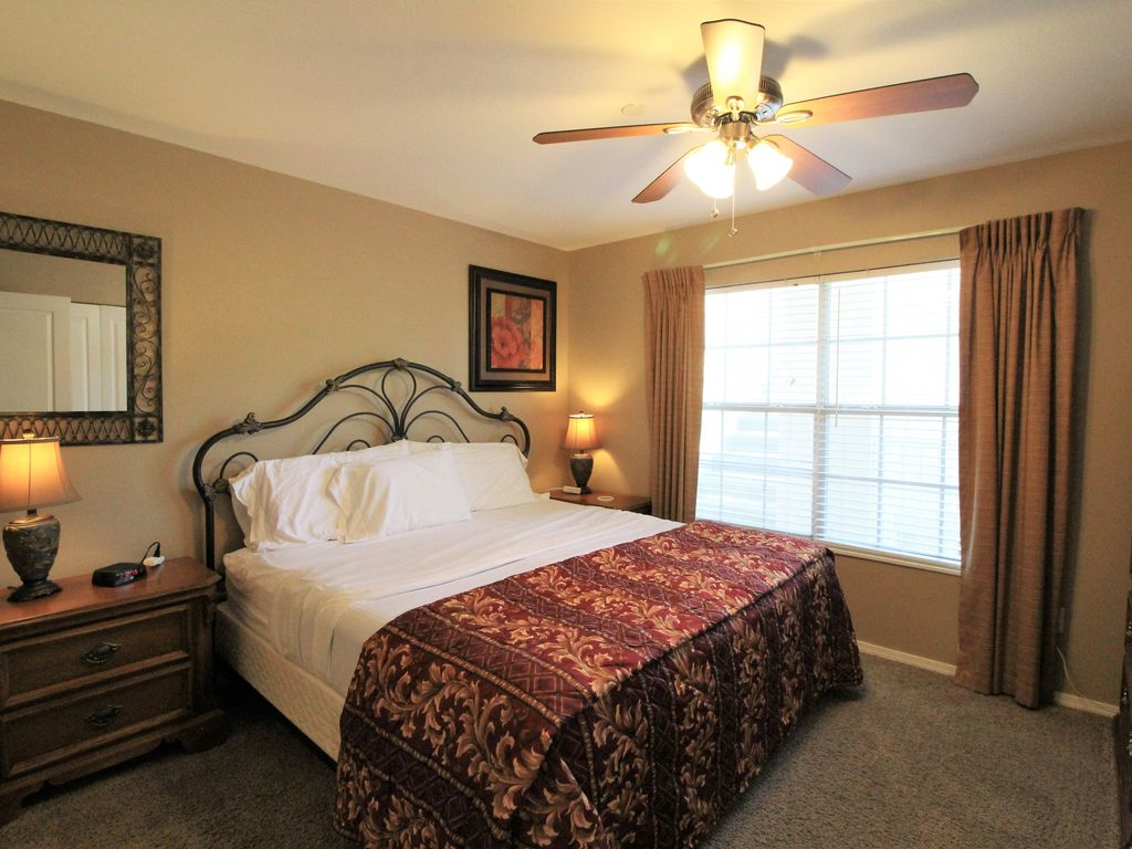 The guest bedroom is like having a 2nd master suite. Meadow Brook Resort Branson