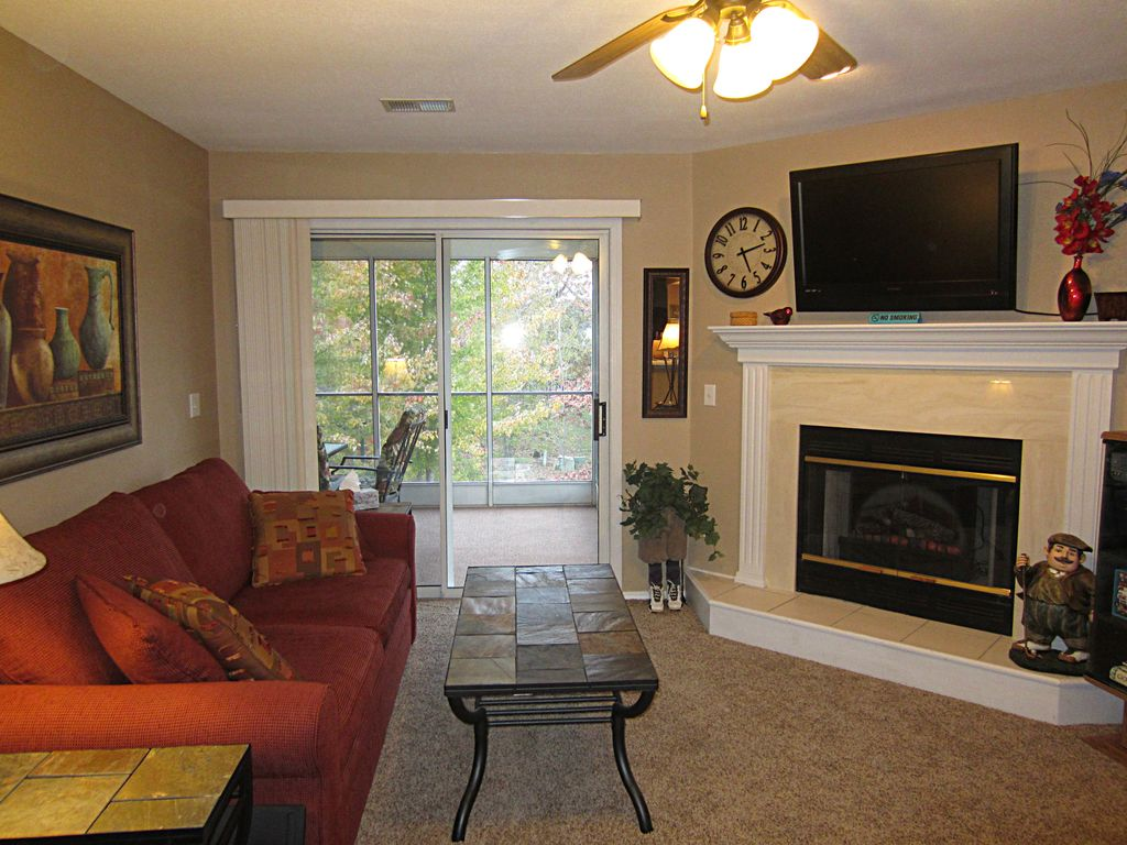 The living room at the Hidden Garden condo, Pointe Royale Golf Resort - Branson