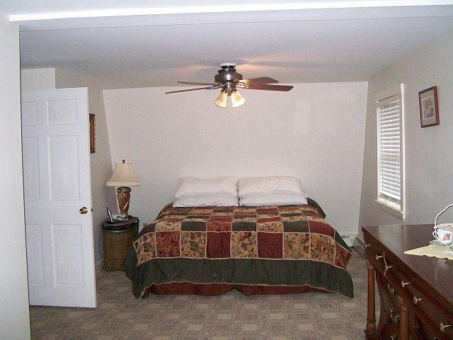 Master Bedroom w  King