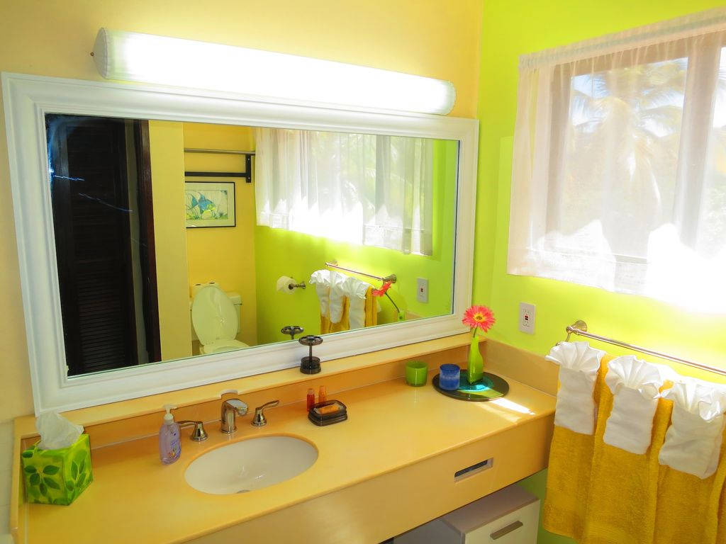 Bright and clean top floor full bathroom with bath tub.