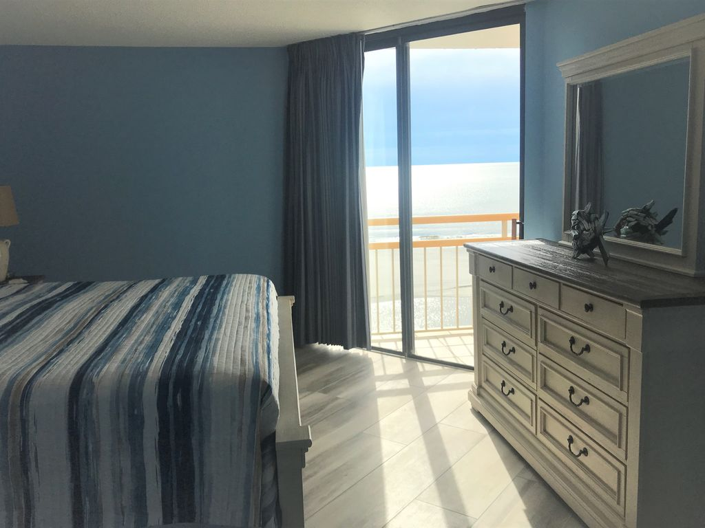 Master Bedroom Walk out Balcony To Ocean Views.
