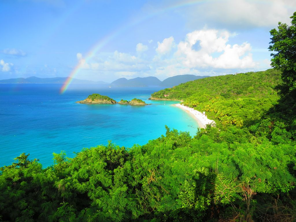St. John's Trunk Bay beach - the best beach in Virgin Islands