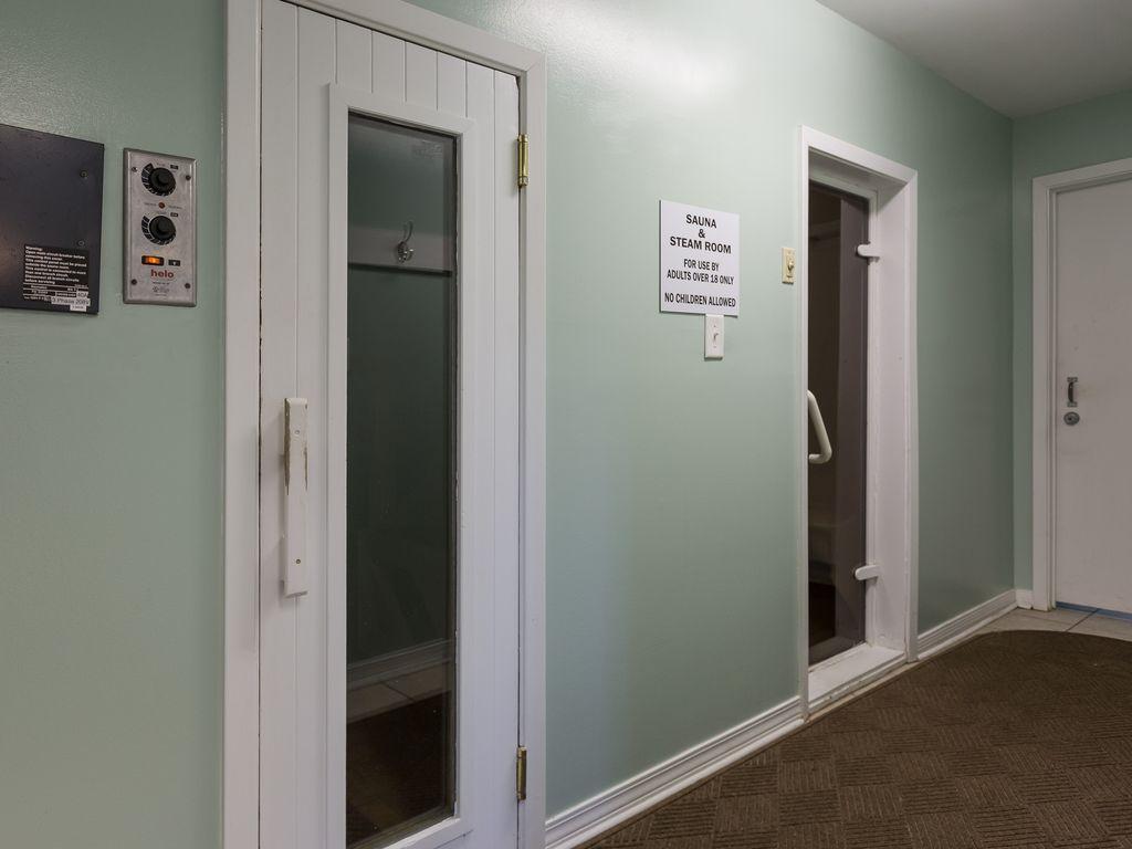 Sauna & Steam Room entrance