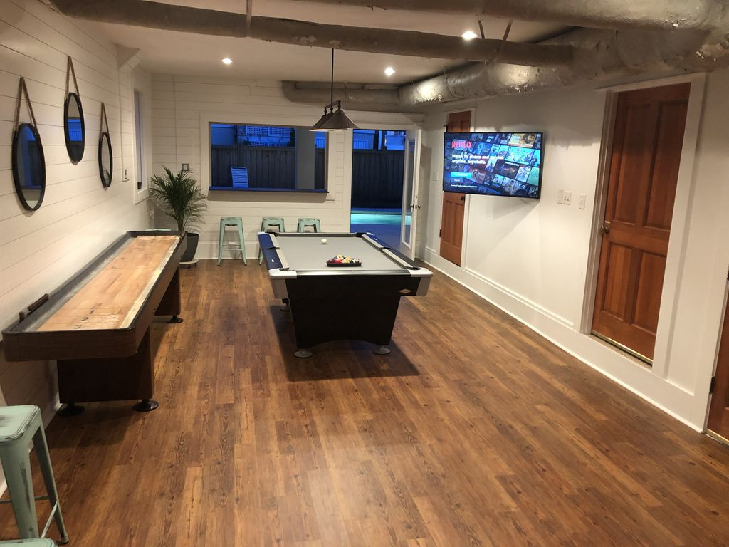 garage/game room evening