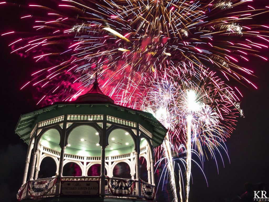 Oak Bluffs Fireworks, Yearly Tradition at Ocean Park