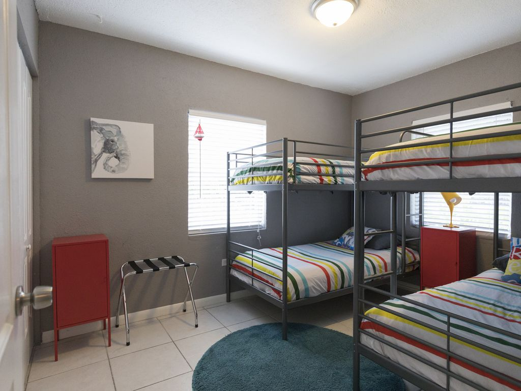 Bedroom #2 (kids room)