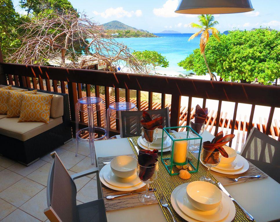 Main floor balcony and outdoor dining area. Bon appétit!