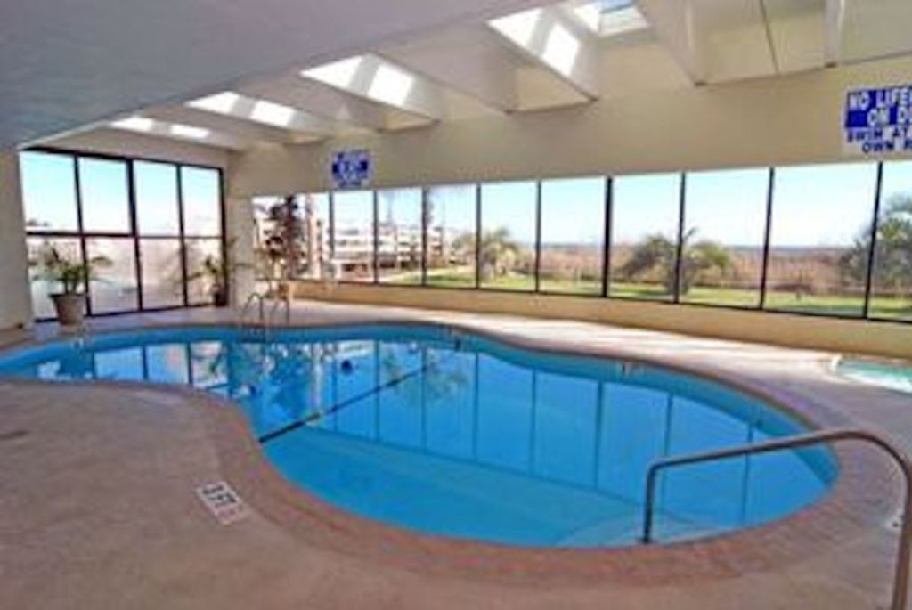 indoor pool - hot tub