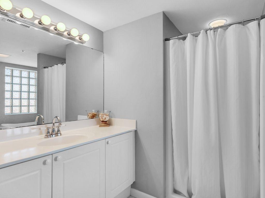 Sink & vanity in master bathroom