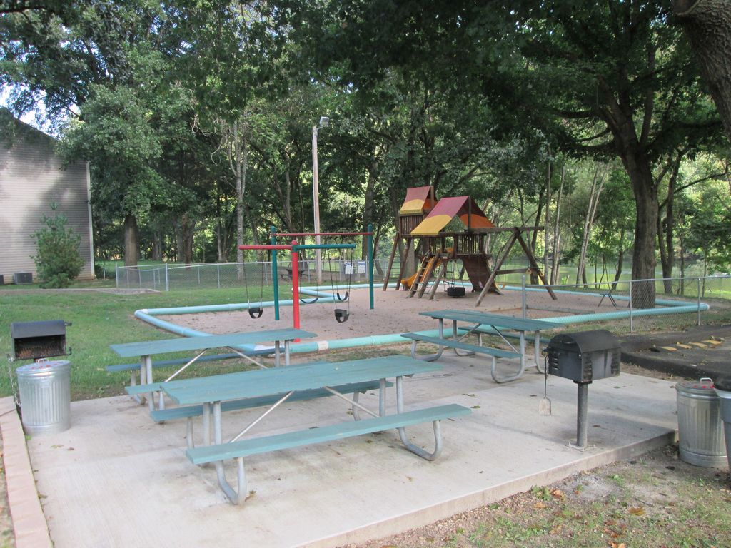 Pointe Royale has 2 parks. Each has a playground, charcoal grill & picnic tables