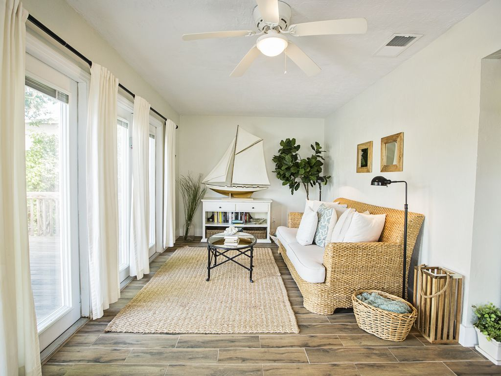 Our coastal decor brings the beach right into the Bay Pointe Cottage.