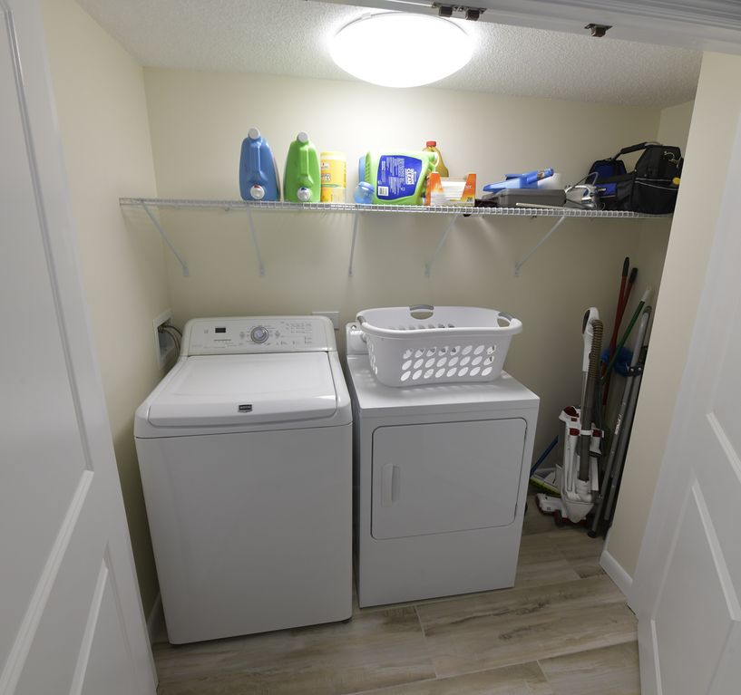 Full-Size Washer/Dryer For Our Guests To Use.