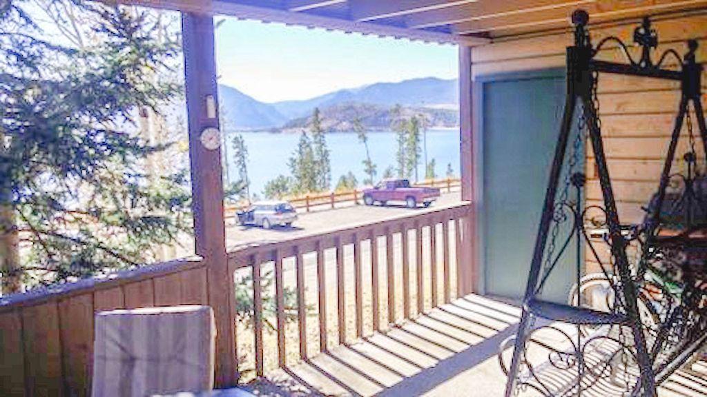 Gorgeous lake & mountain view