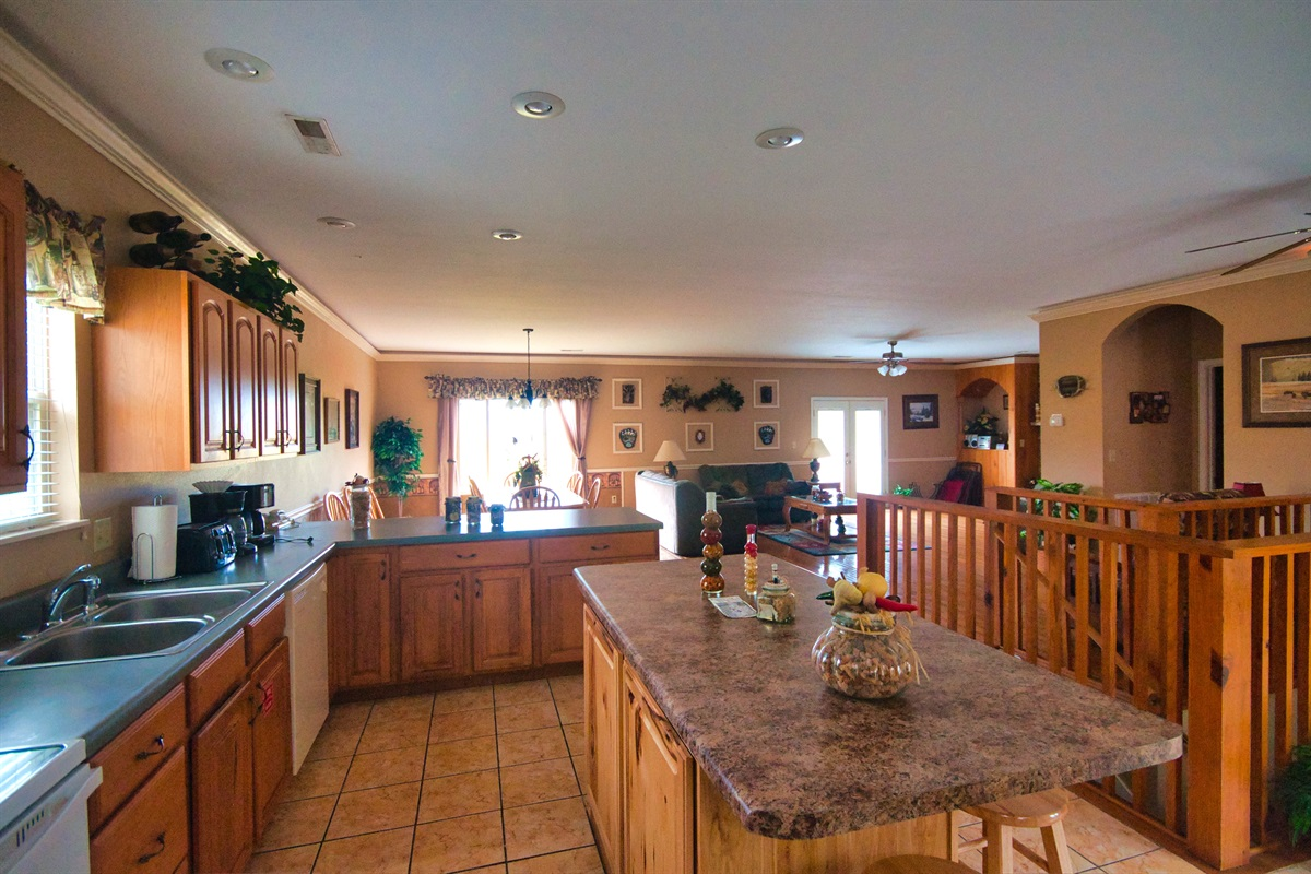 Kitch, dining, and living area