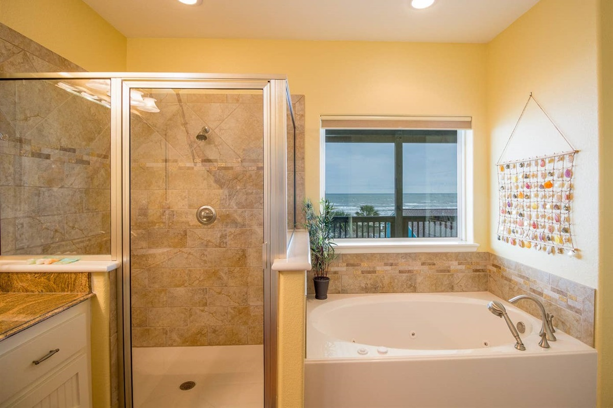 Primary en Suite with Large Soaking Tub and Separate Shower