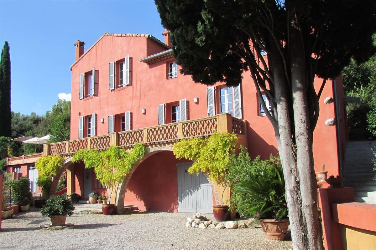 Facade Est de la Villa Chandra Provence Cote d'Azur