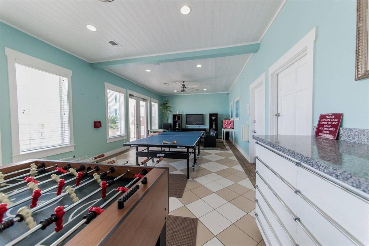 Pointe West Beach Club - Game Room