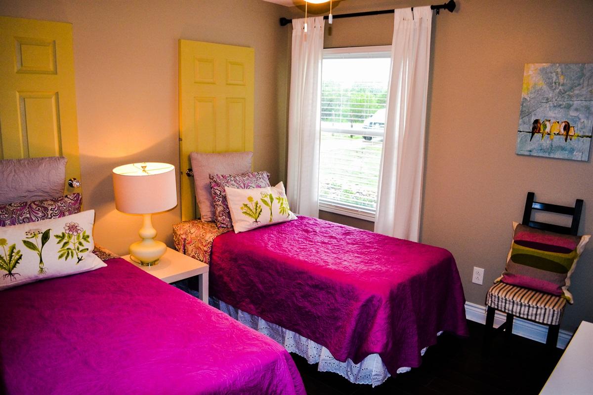 Bedroom #4 (2 twin beds).