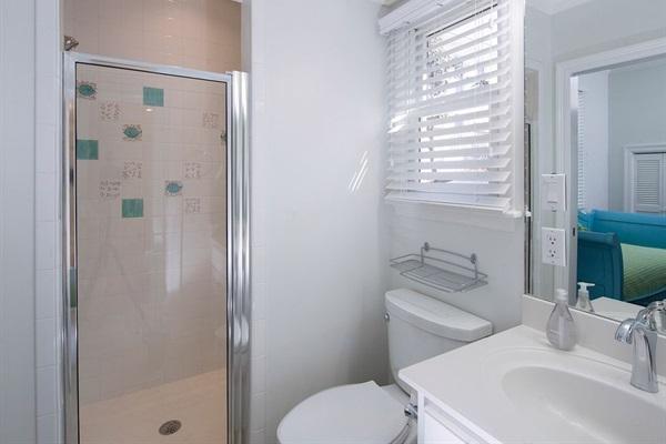 Cottage Bunk Room Private Bath
