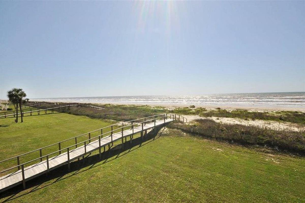 Amazing Gulf Views from the Balcony