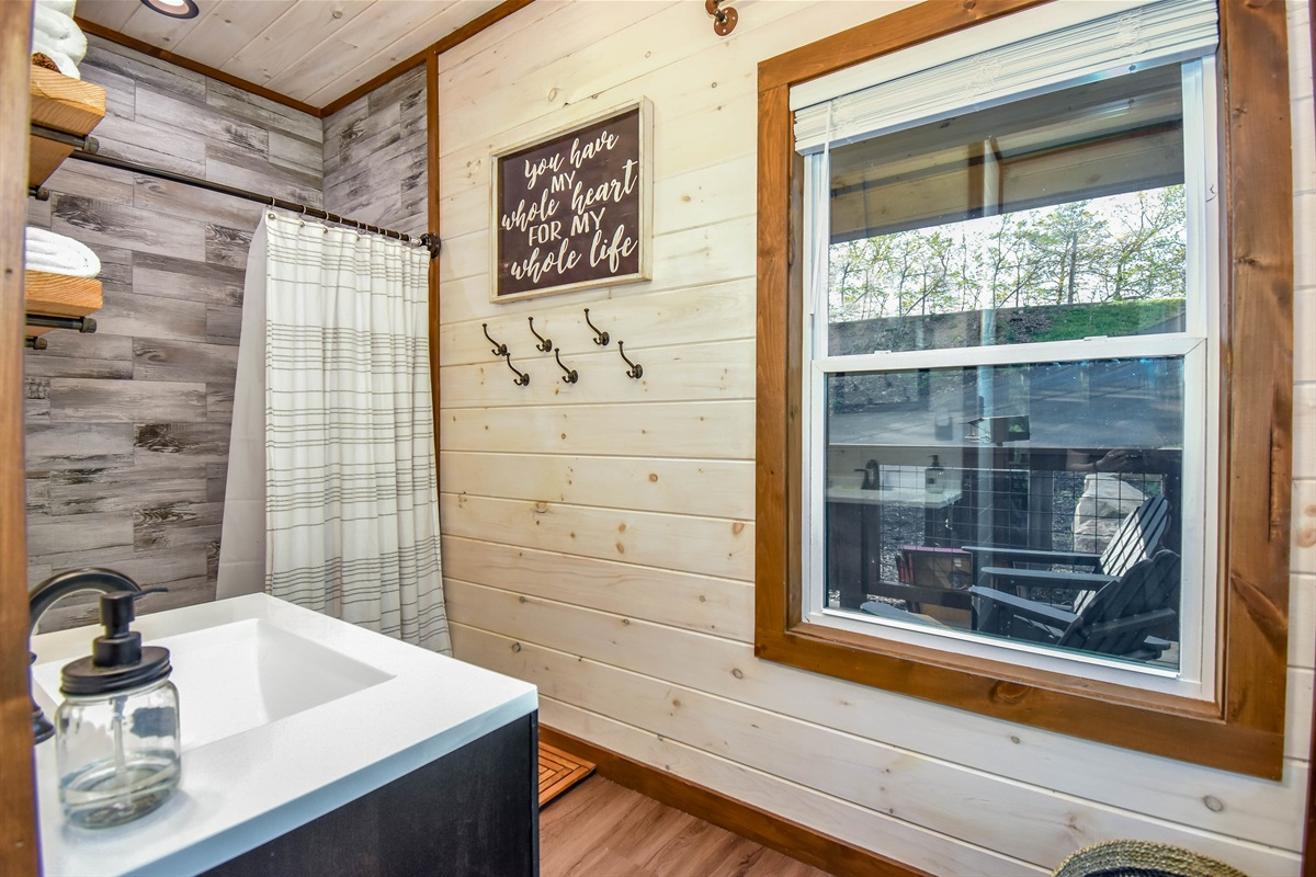 Skier's Retreat En-suite Bath