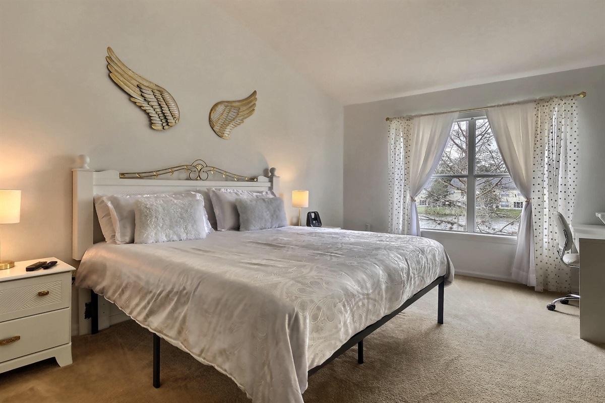 enSuite Master King bedroom - Upstairs