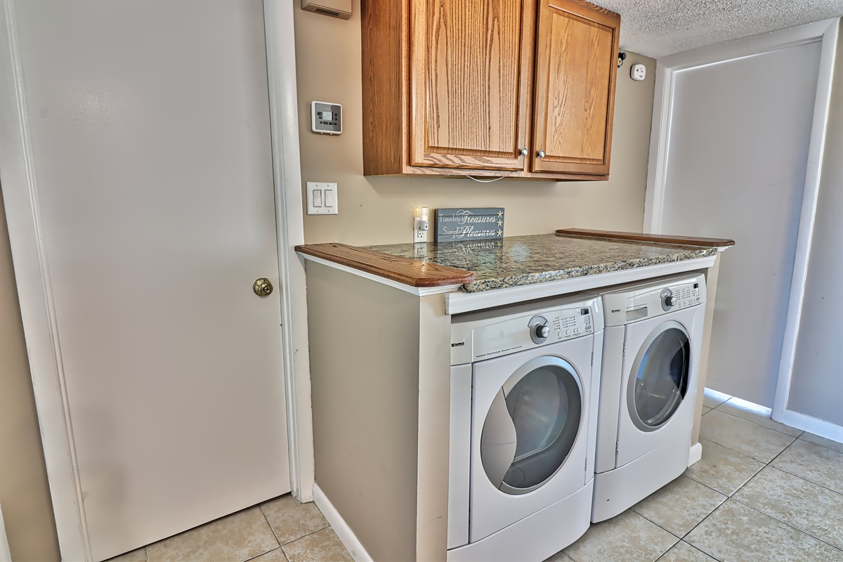 Full sized washer dryer