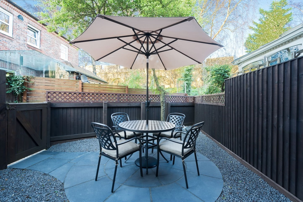 Private Garden & seating area with view of Roman city walls