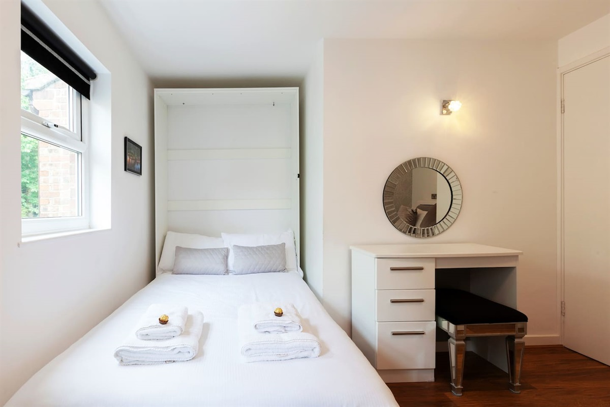 Bedroom (folding bed).