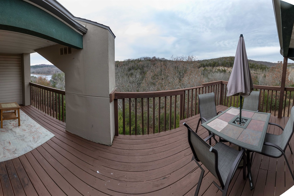 Our expansive balcony overlooks Table Rock Lake and the Ozark mountains