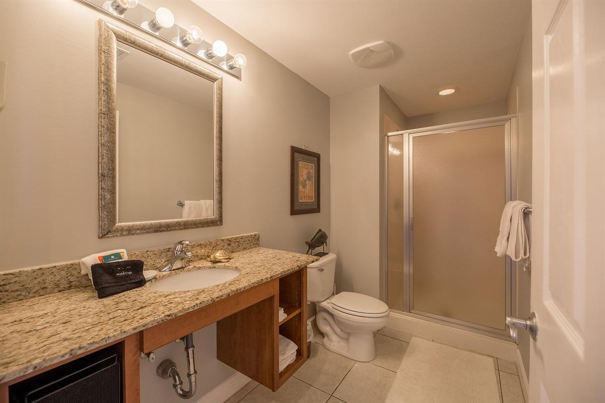 2nd bathroom w/ shower