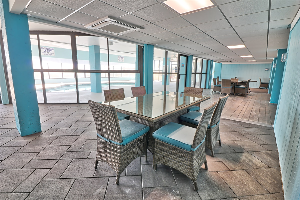 Lobby with dining tables for large family gatherings