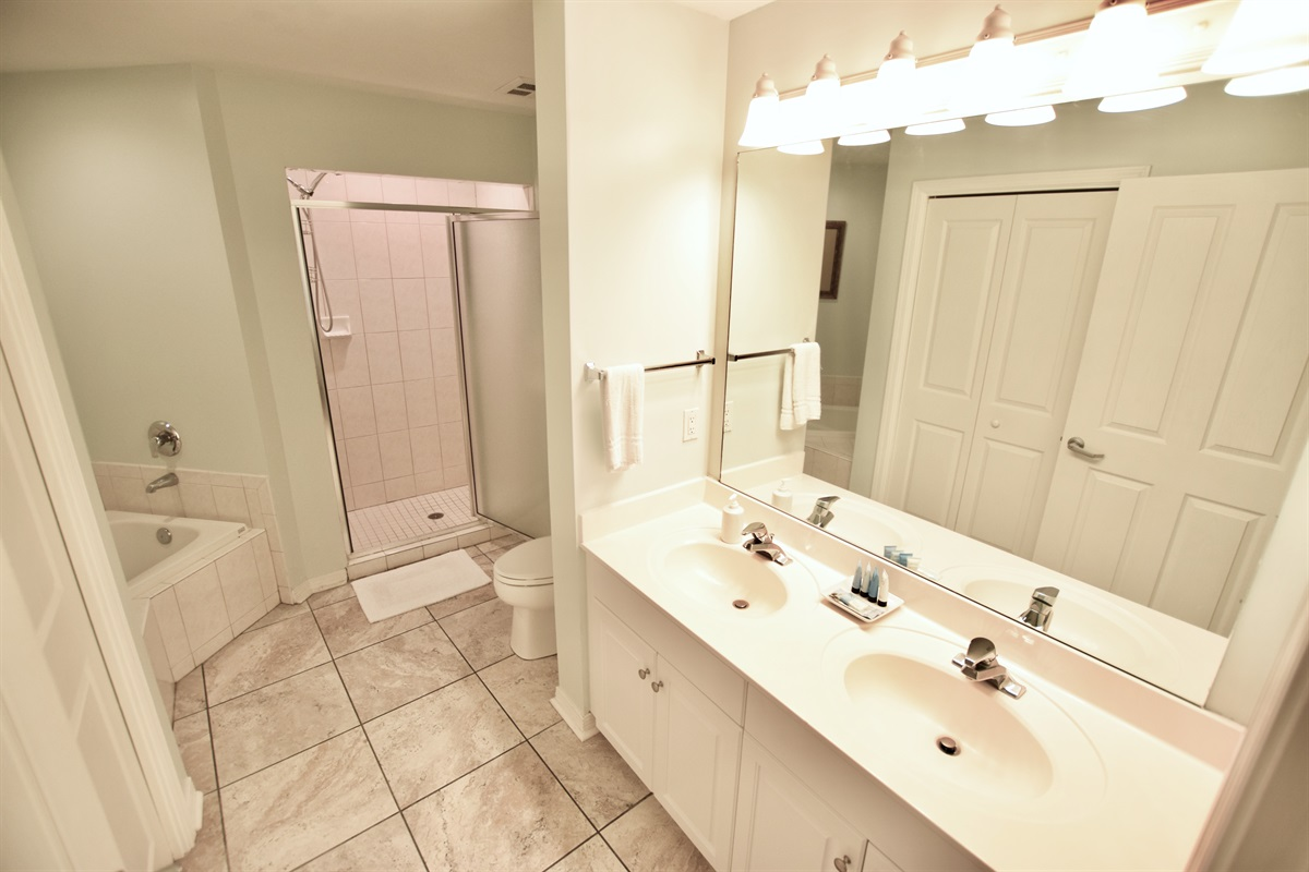 Destin West Gulfside #214: Master Bath