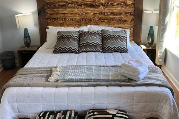 KING BEDROOM #2  (street side)  King Size bed with new 12 inch thick foam mattress and new luxury bamboo sheets.
