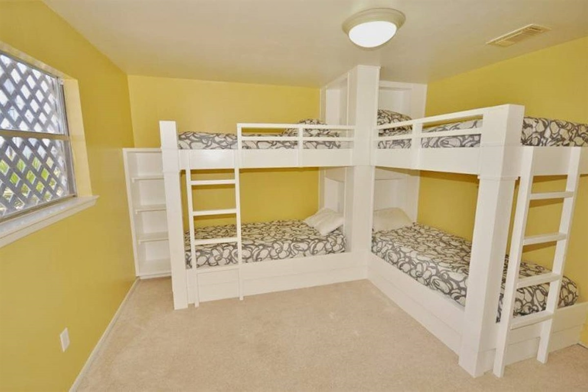 Second Bunk Bedroom with 2 Bunk Beds - sleeps up to 4