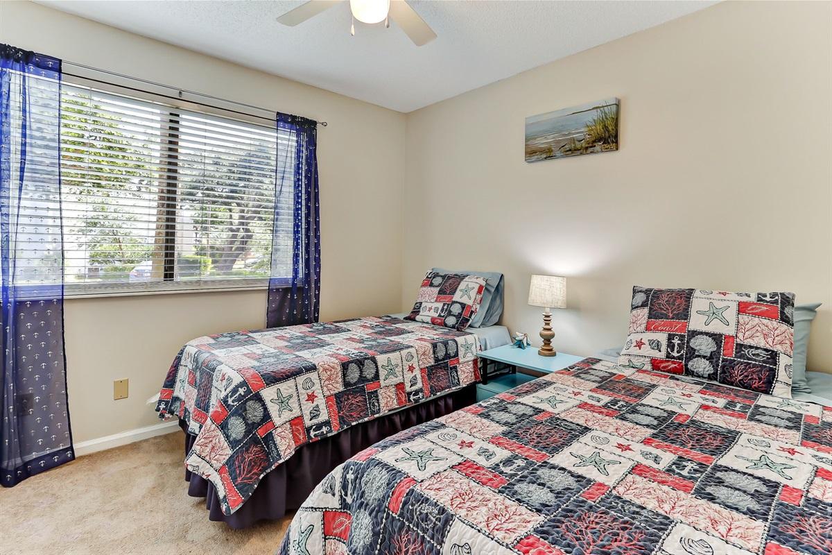 Guest Bedroom 2 - Twin Beds