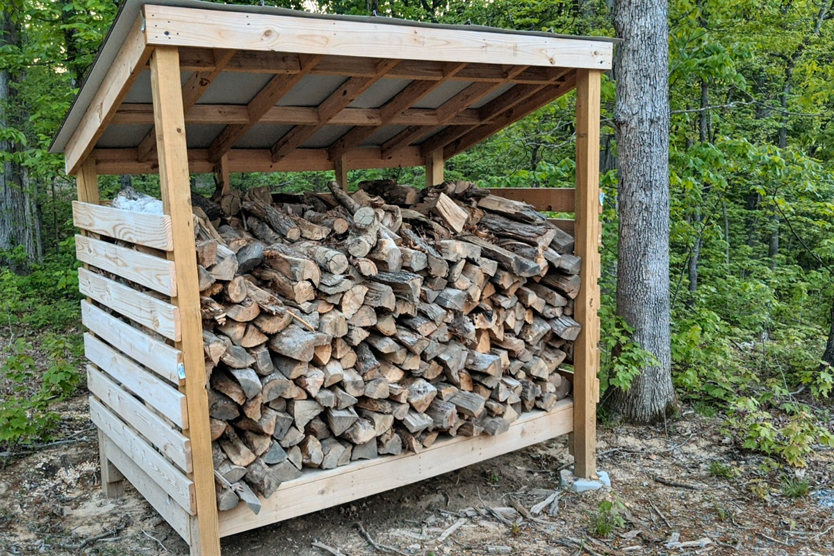 Unlimited dried/stacked firewood just a few yards from the cabin, provided with every booking (firewood fee is $10/night)
