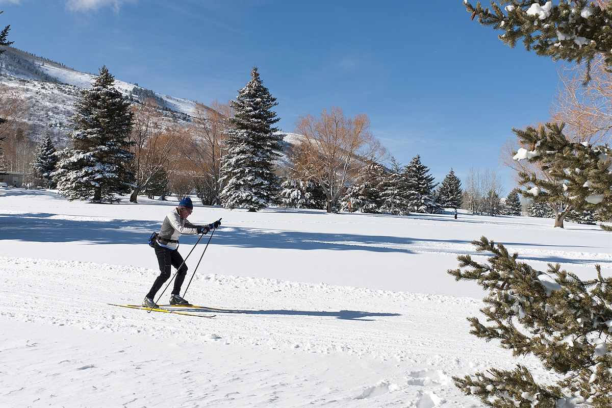 Nordic skiing at the golf course