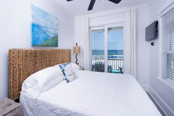 Main House 2nd Floor King Bedroom - Ensuite Bath & Amazing Gulf View