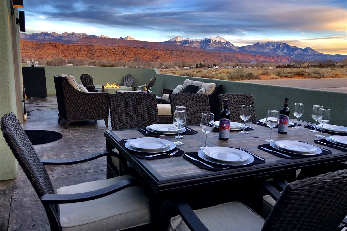 Outdoor Dinning with views