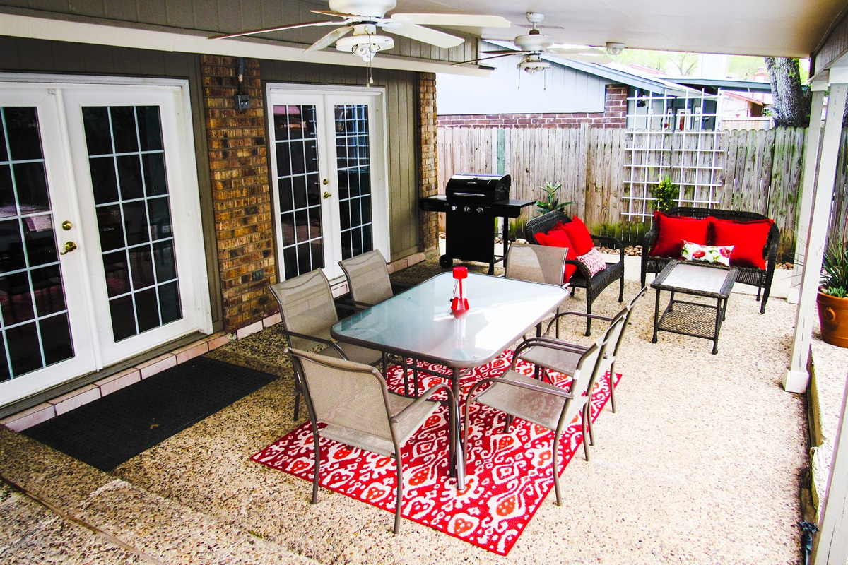 Tons of outdoor living space (w/ stainless steel grill)