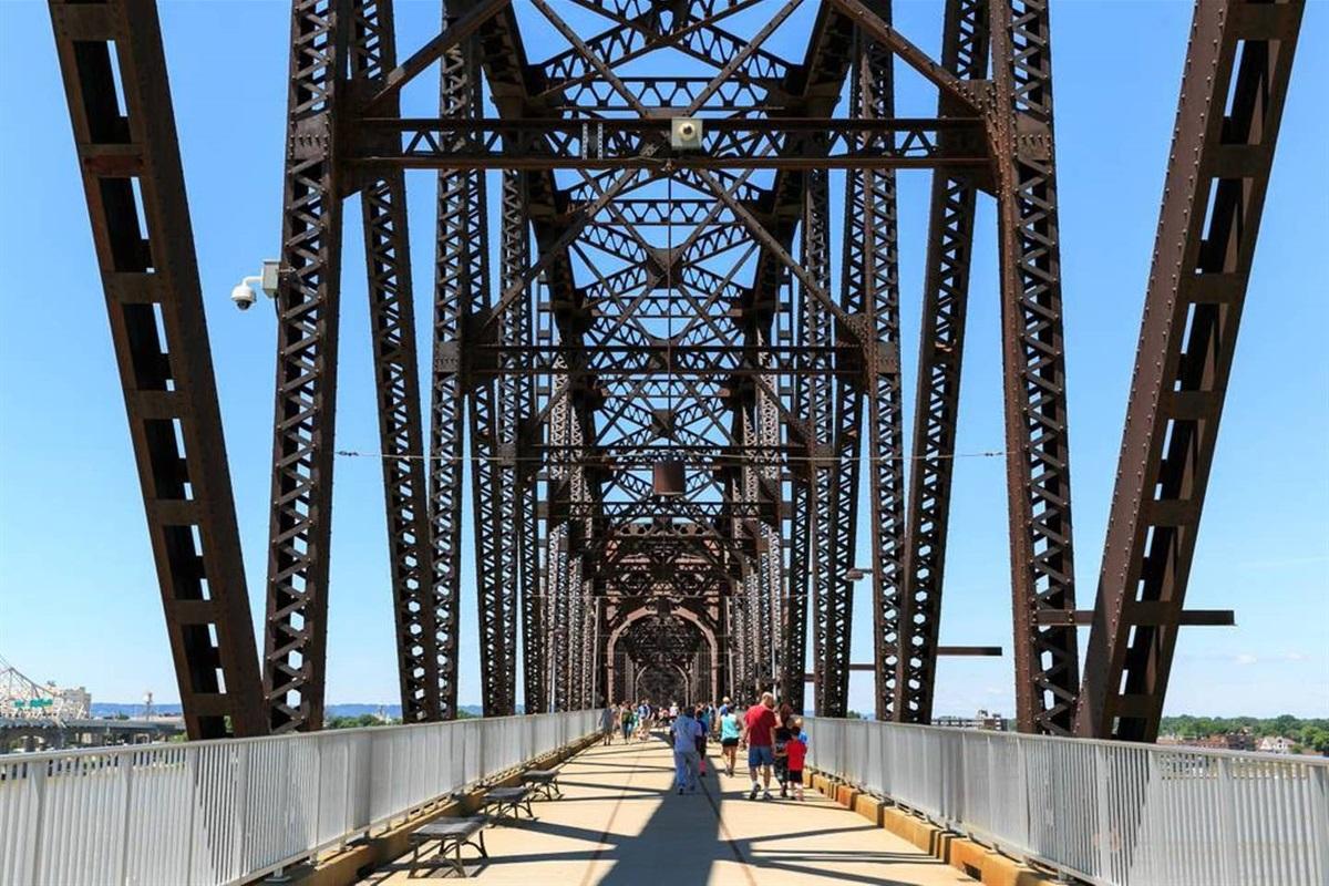 Near Big 4 Walking Bridge