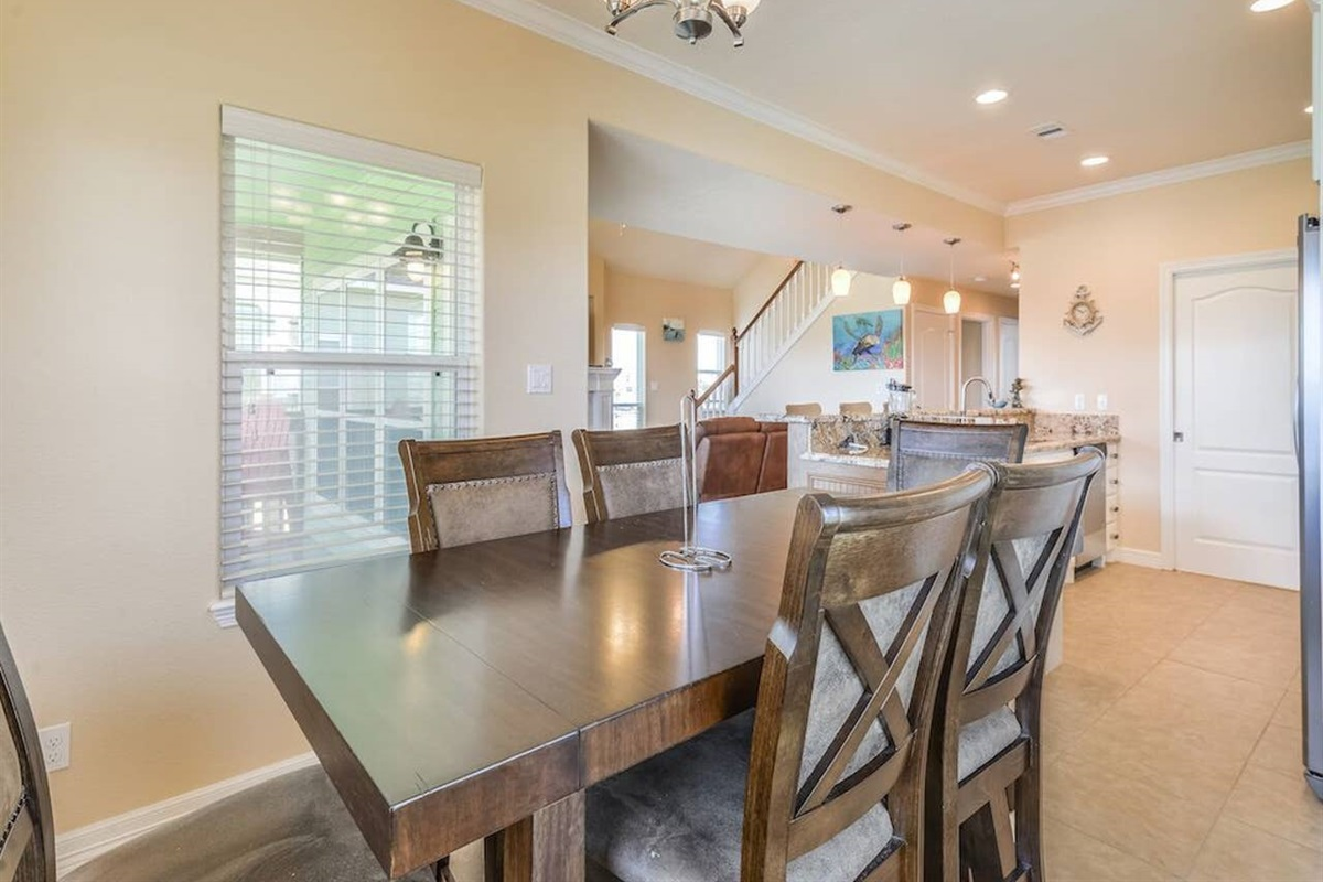 Dining Table Seats Up to 6