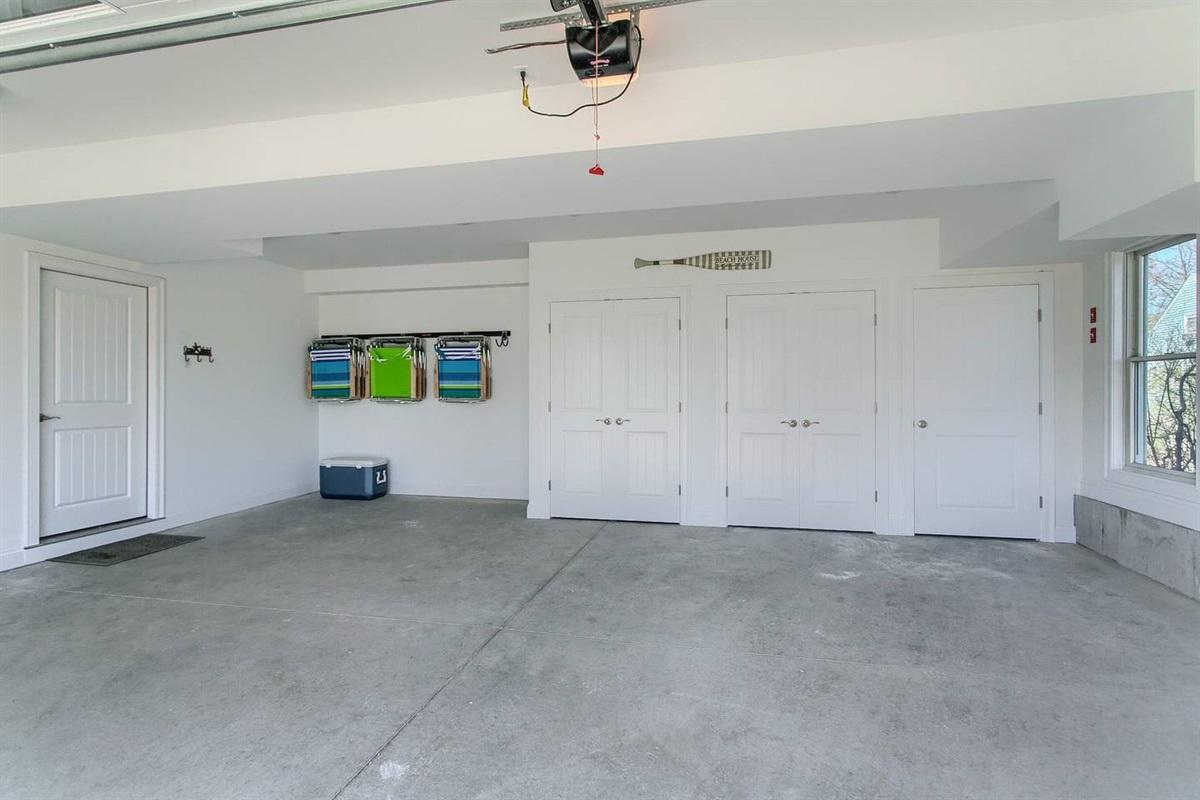 25'x25' Garage - Large enough for a van