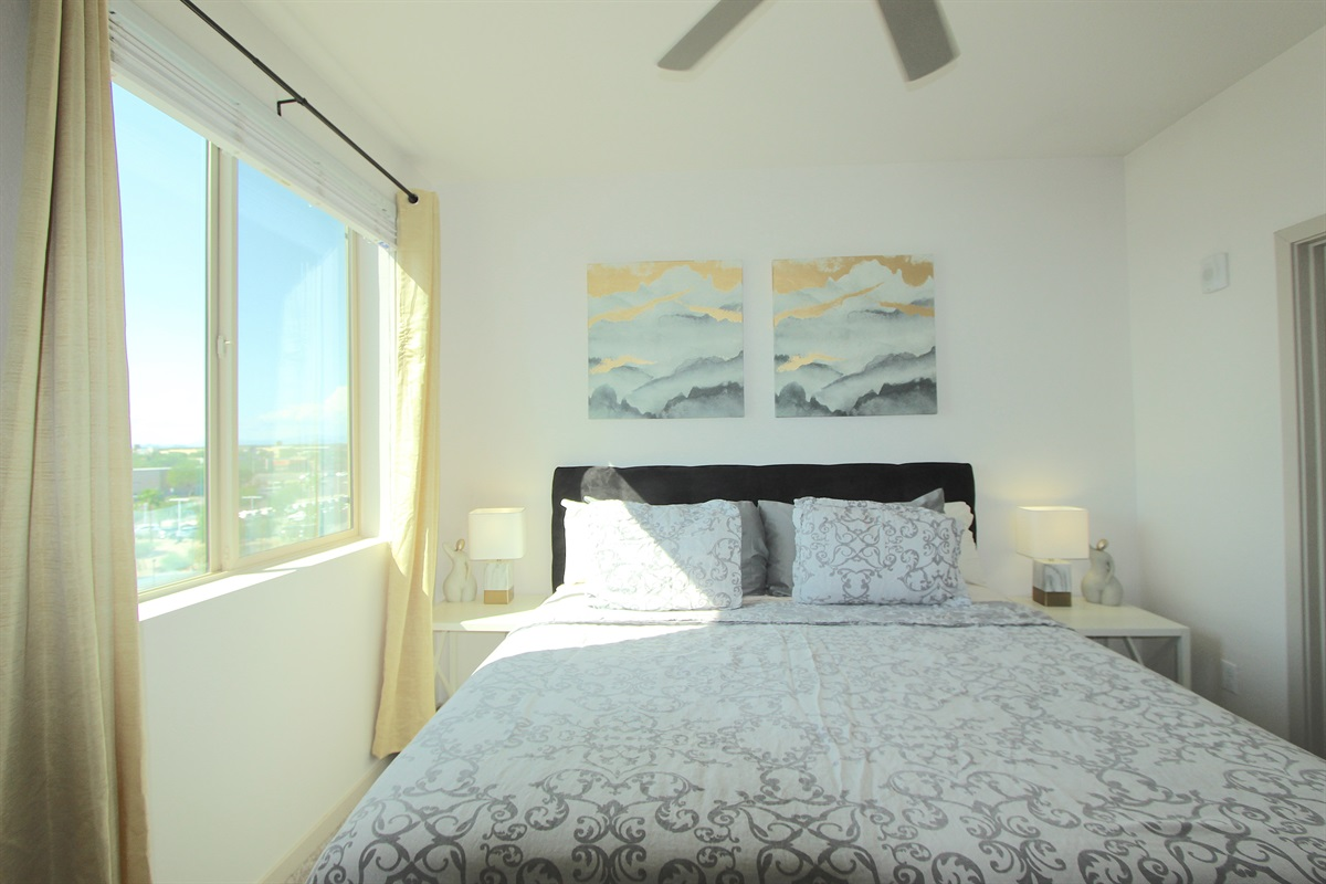 Master bedroom with king bed, 32in flatscreen  TV