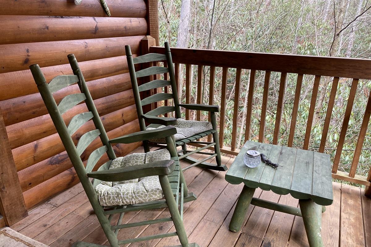 Sitting area upper rear deck