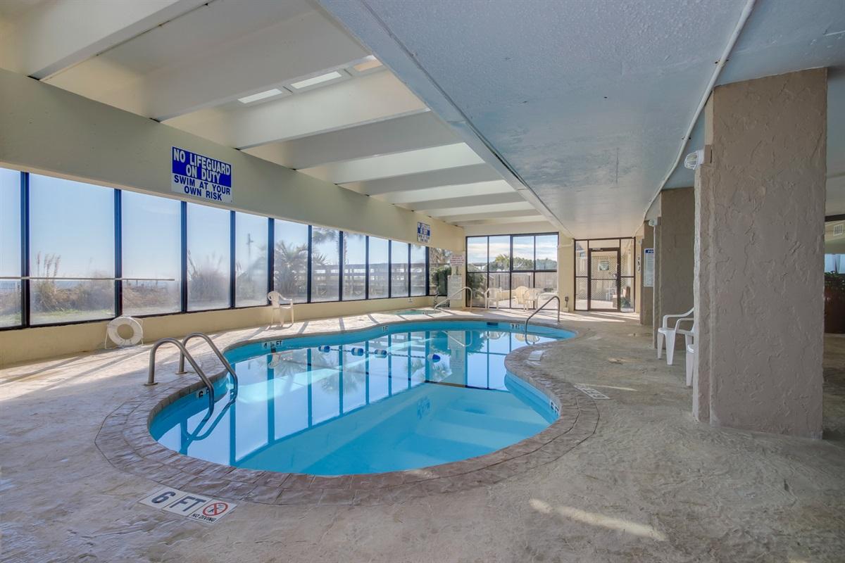 Heated indoor pool/hot bub
