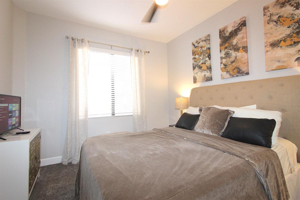 Bedroom #3-Queen bed, ROKU TV